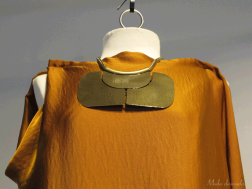 Vestido y collar Lanvin